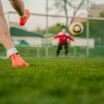 正確なパスを蹴る方法とは?
